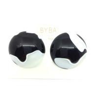 orecchino a clip effetto marmorizzato bianco e nero art. 460644B